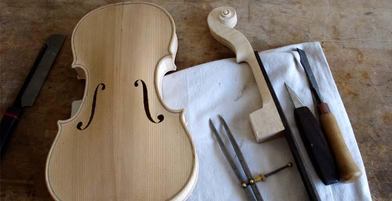 Geige-Hals-einsetzen-Werkzeug