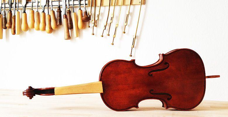 Geige Neubau von Eva Laemmle