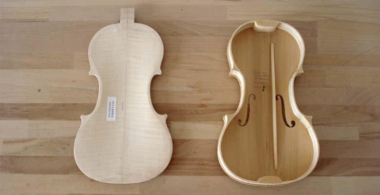 Geige-boden-mit-zettel