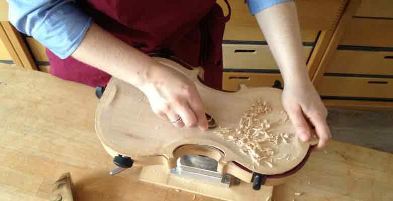 Geigenbau in Muenchen Reine Handarbeit